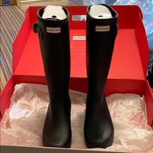 Brand New Hunter rain boots!